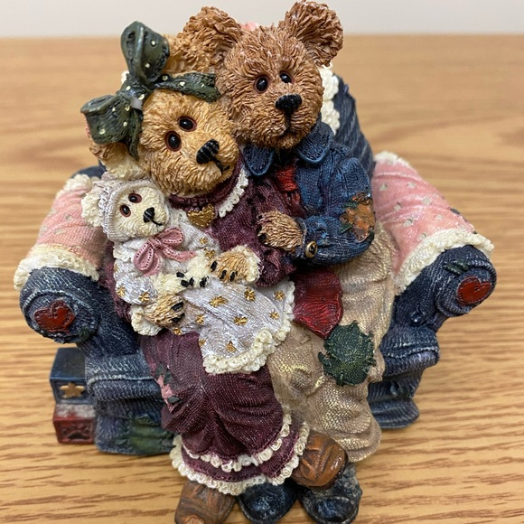 """Boyds Bears Other - Boyds Bear """"Yes Sir That's My Baby Music Box"""""""